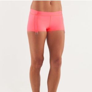 lululemon athletica Shorts - lululemon Some Like It Hot Short